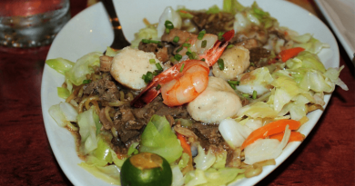 フィリピンの中華風焼きそば!日本人も食べやすいローカルフード「パンシットカントン」