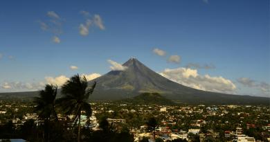 フィリピンの富士山!レガスピにある成層火山「マヨン山」