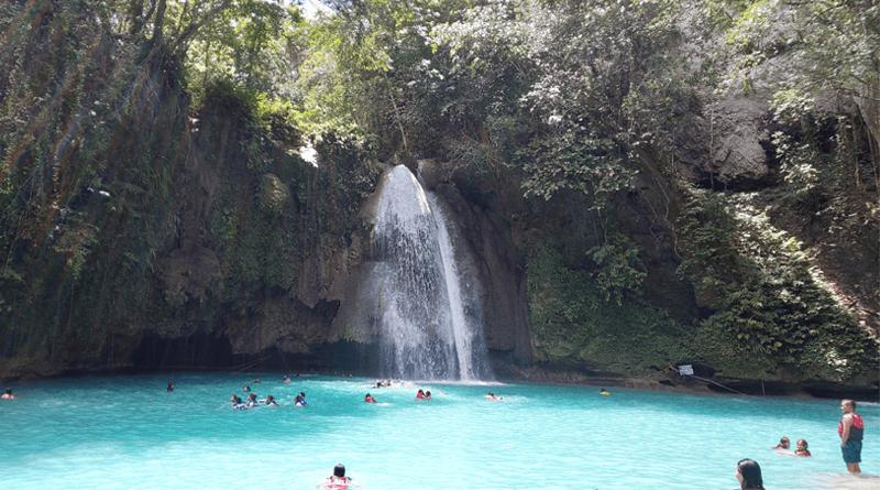 世界の美しい滝に選ばれたセブ島最大の滝「カワサンフォール」