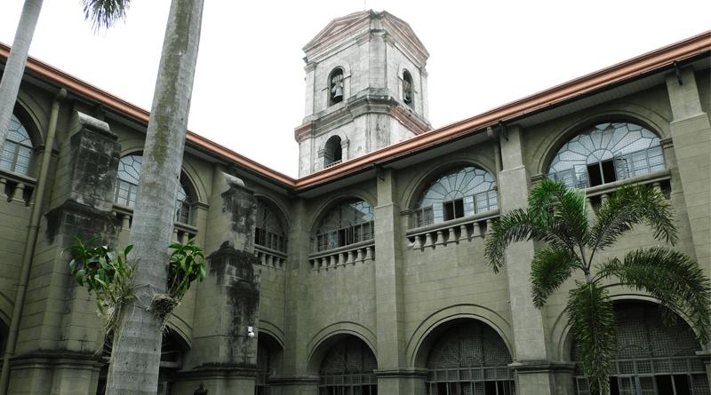 フィリピンの長い歴史を見守ってきた教会